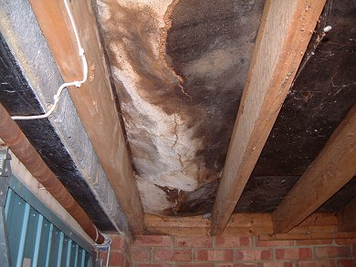 chipboard deck collapse in flat roof